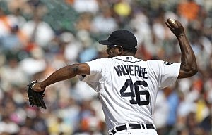 Jose Valverde gets save #40