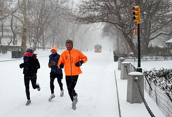 winter runners brave the cold