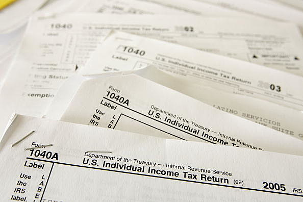 Tax Payers Rush To Meet Tax Filing Deadline
