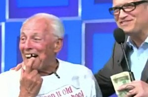 Old man loses a tooth on The Price Is Right