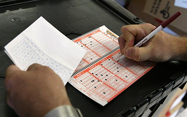 Strong Sales Push Powerball Jackpot To $320 Million