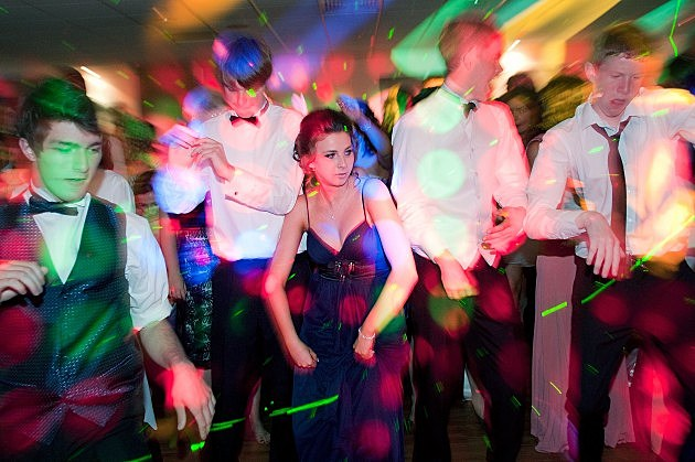 Pics For > Grinding Dance High School Prom