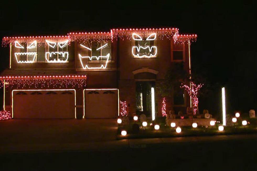 tbt epic halloween display set to michael jacksons thriller video