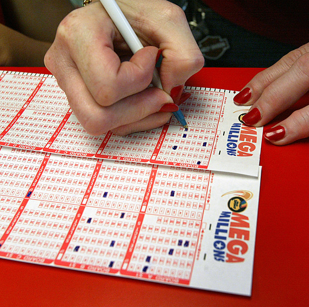 """""""Mega Millions"""" Lottery Jackpot Tops $220 Million"""